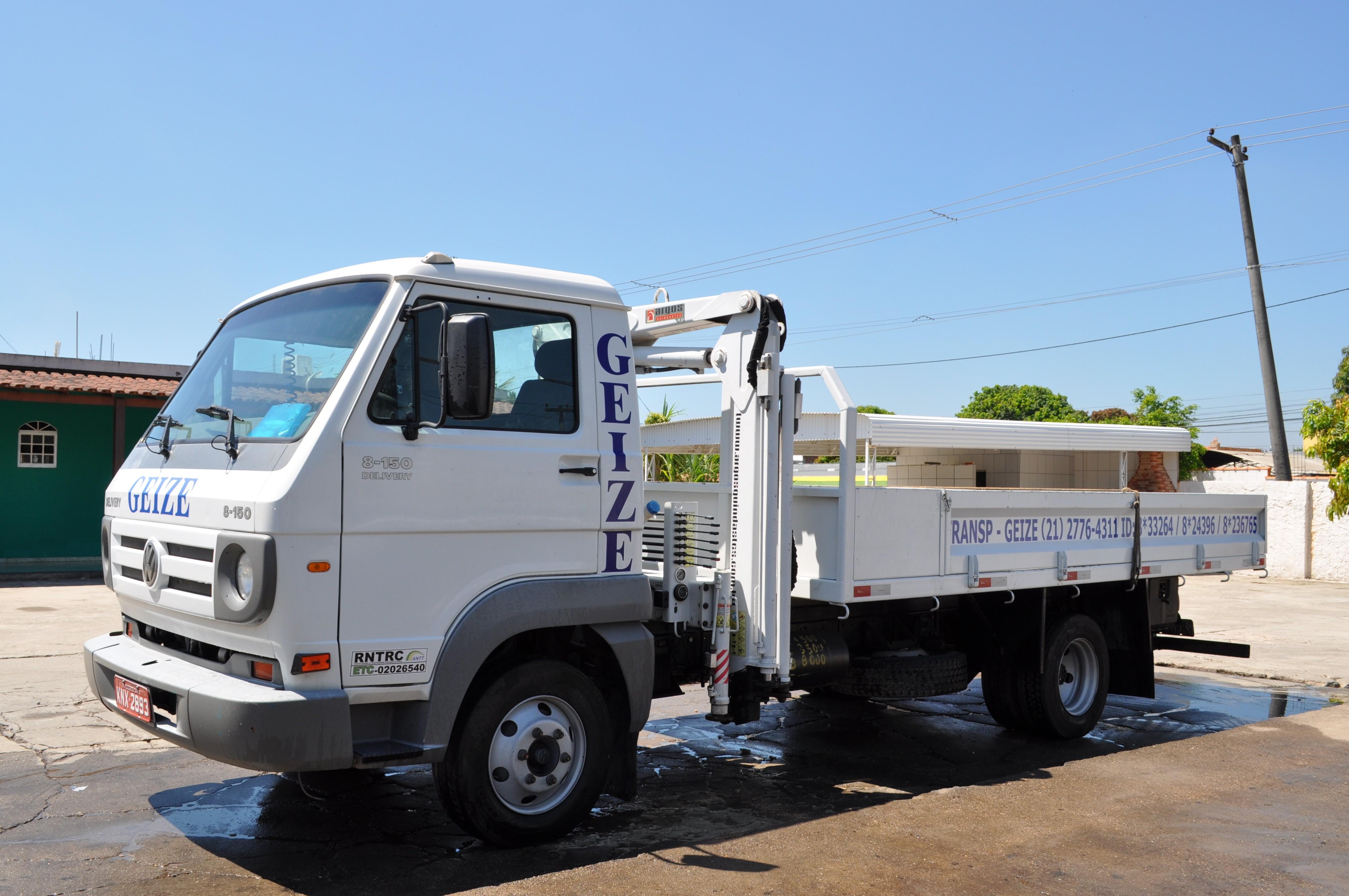 Caminhão 3/4 com Munck 4 ton (baby)