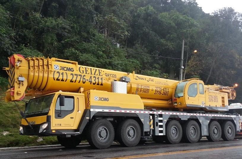 Guindaste 220 ton